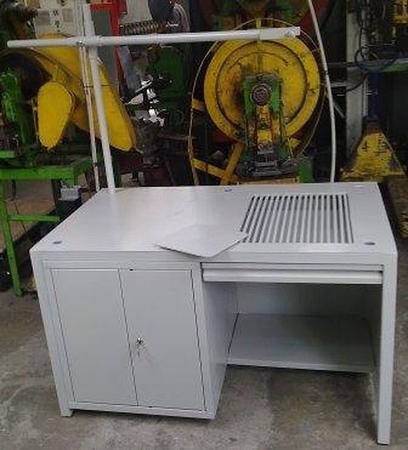 Stół spawalniczy, 1 szafka (wymiary: 1300x800x750 mm) 77156972